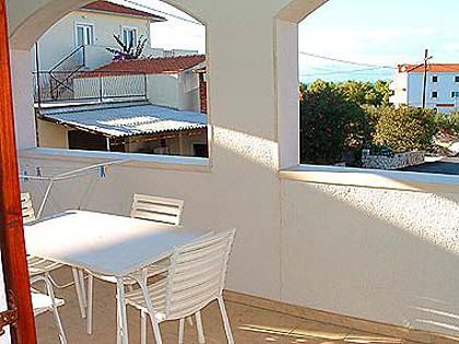 A3(2+1): covered terrace - 00301SUPE  A3(2+1) - Supetar - Supetar - rentals