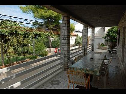 courtyard (house and surroundings) - A07401SUPE A1(5+1) - Supetar - Supetar - rentals