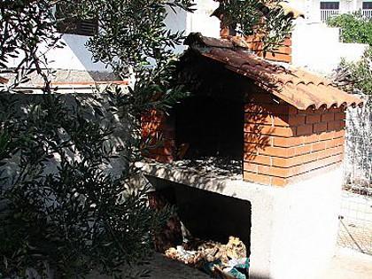 fireplace (house and surroundings) - 01107SEGV A1(5) - Seget Vranjica - Seget Vranjica - rentals