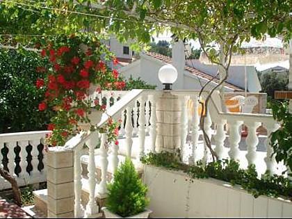 terrace (house and surroundings) - 02007VINI  A2(6) - Vinisce - Vinisce - rentals