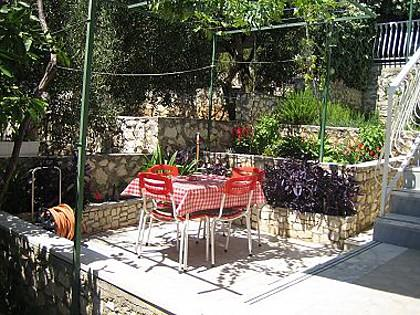 A1(4+1): garden terrace - 00712OKRD  A1(4+1) - Okrug Donji - Okrug Donji - rentals