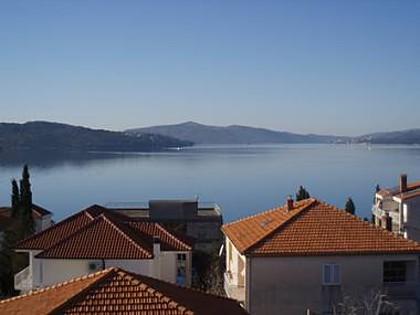 A2(6+2): sea view - 35375  A2(6+2) - Okrug Gornji - Okrug Gornji - rentals
