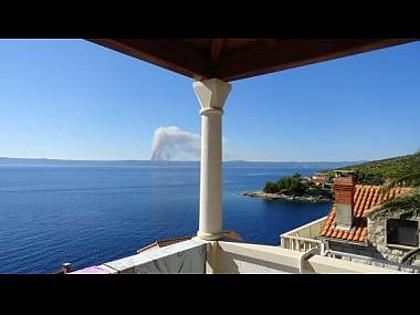 B2(4): terrace view - 2435 B2(4) - Cove Puntinak (Selca) - Cove Puntinak (Selca) - rentals