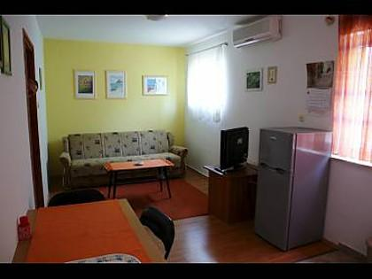 A2(3+1): living room - 05501SUPE A2(3+1) - Supetar - Supetar - rentals