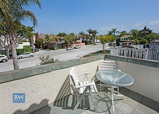 Open Airy Beach Condo Located on Peninsula Point! (68297) - Image 1 - Newport Beach - rentals