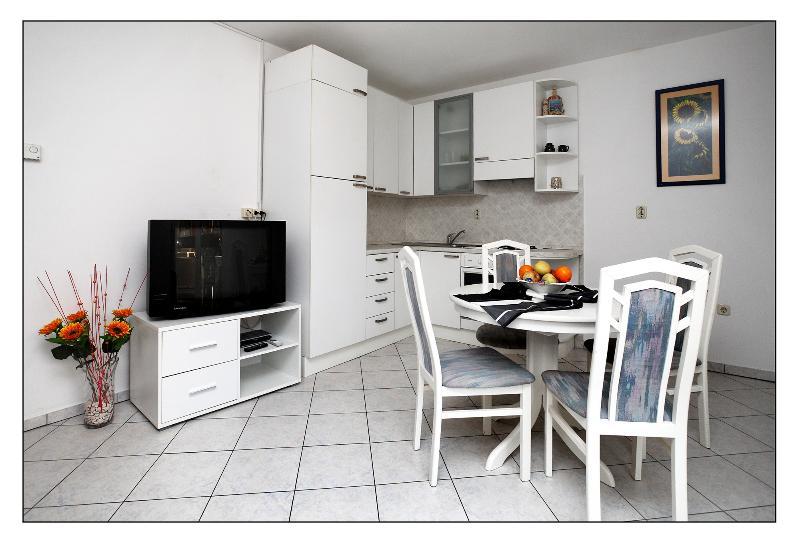Apartment in beautiful Split - Image 1 - Podstrana - rentals