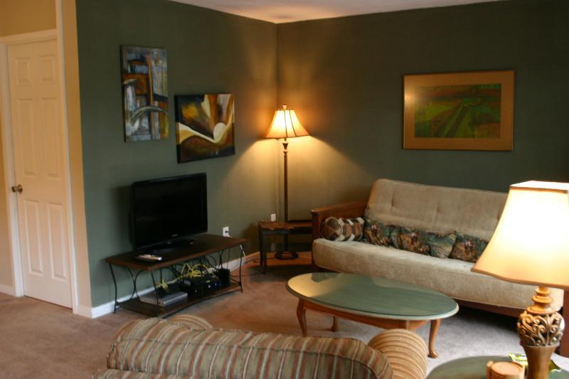 Living area - Cherokee Rd #3 - Louisville - rentals