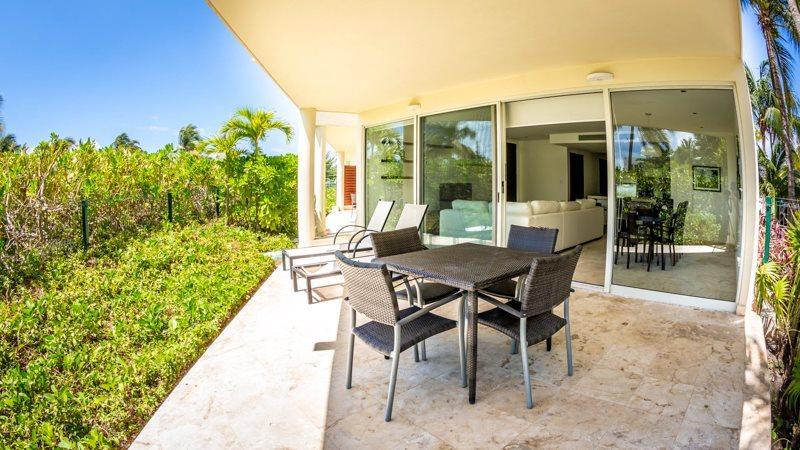 Private 2 bedroom condo with Private Beach Club - Image 1 - Playa del Carmen - rentals