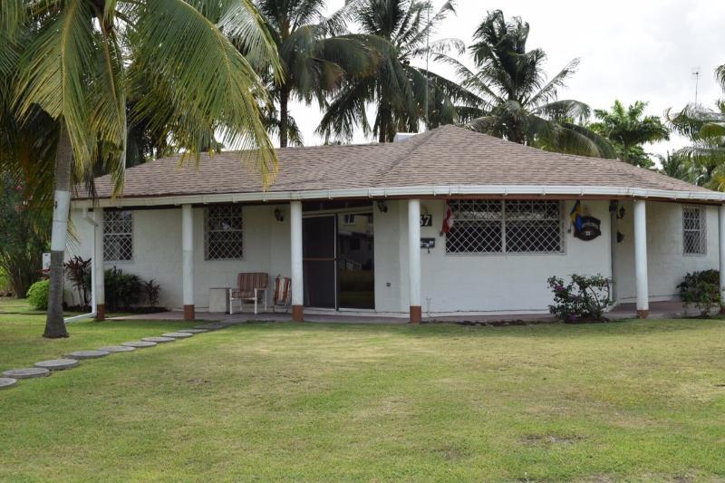 Jamestown Park Villa - Awesome Tropical Villa Apartment - Holetown - rentals