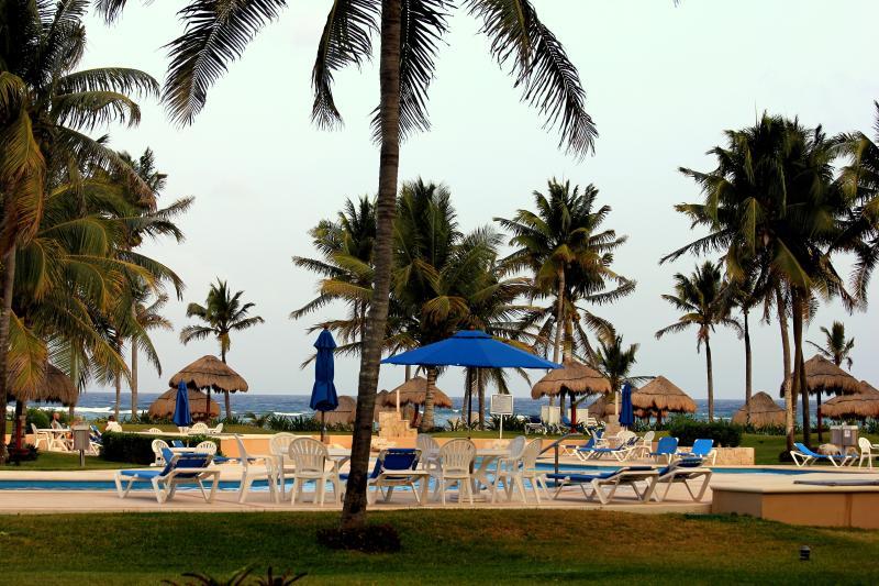 GROUNDFLOOR VDM WIFI GRILL PRIVATE BEACH AMAZING!! - Image 1 - Puerto Aventuras - rentals