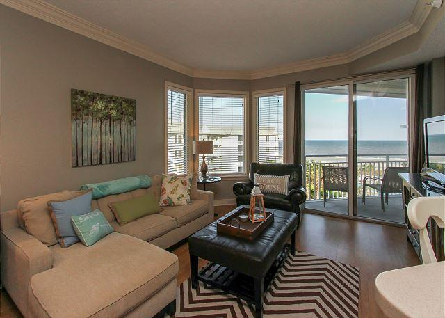 Living Area - 1504 SeaCrest - 5th Floor Oceanfront & Renovated.  Stunning Views. - Hilton Head - rentals