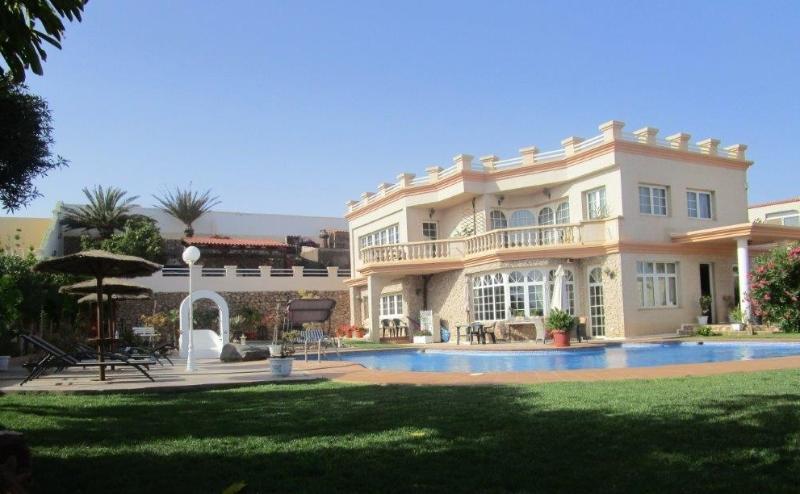 Fuerteventura Serenity has 2 Luxury Bedrooms, plus a Self-Catering Apartment within - Fuerteventura Serenity Luxury Bed and Breakfast - Costa Calma - rentals