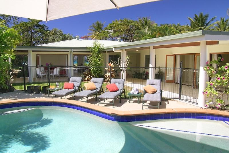 Alani - Pool to House  - Alani - Mission Beach - rentals