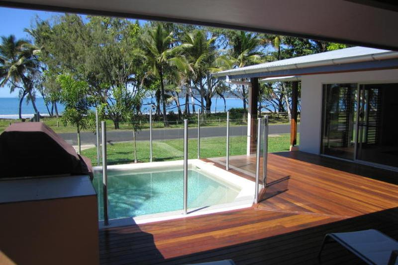 Banfield's Retreat- View to Dunk Island - Banfield's Retreat - Mission Beach - rentals