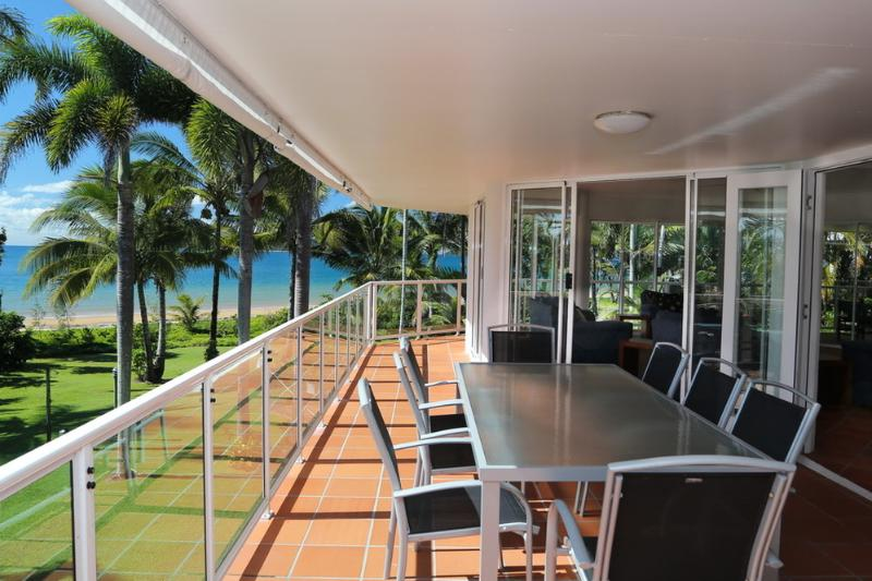 Beaches No.6- Outdoor Dining  - Beaches No 6 - Mission Beach - rentals