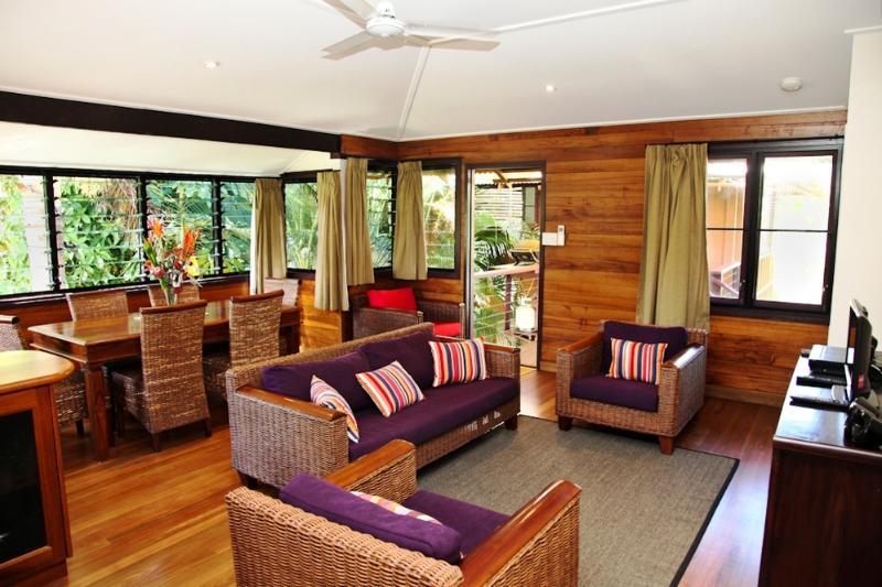 Bella Coola - Lillooet - Living  - Bella Coola - Lillooet - Mission Beach - rentals