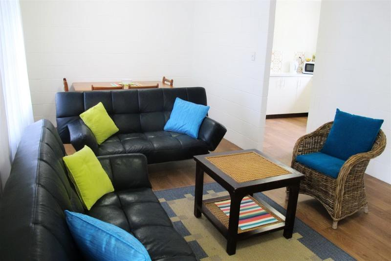 Four @ 150 - Living Dining Area  - Four @ 150 - Mission Beach - rentals