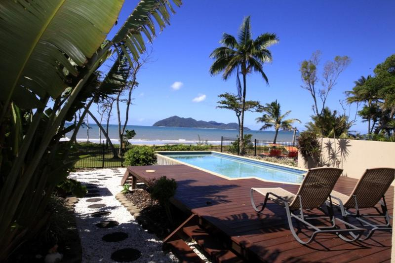 Frangipani Place - Pool to Dunk Island  - Frangipani Place - Mission Beach - rentals