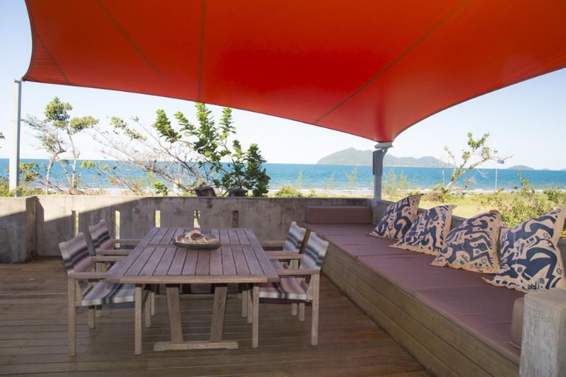 Mojito - Beachside Deck View to Coral Sea and Dunk Island  - Mojito - Mission Beach - rentals
