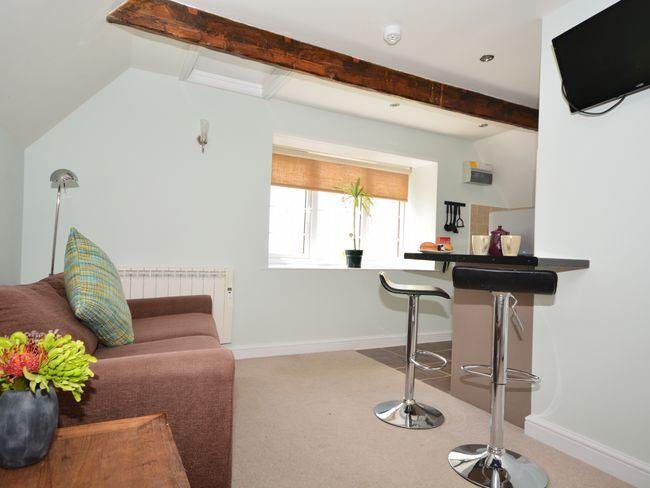 Lounge area with breakfast bar - THEST - Chedington - rentals