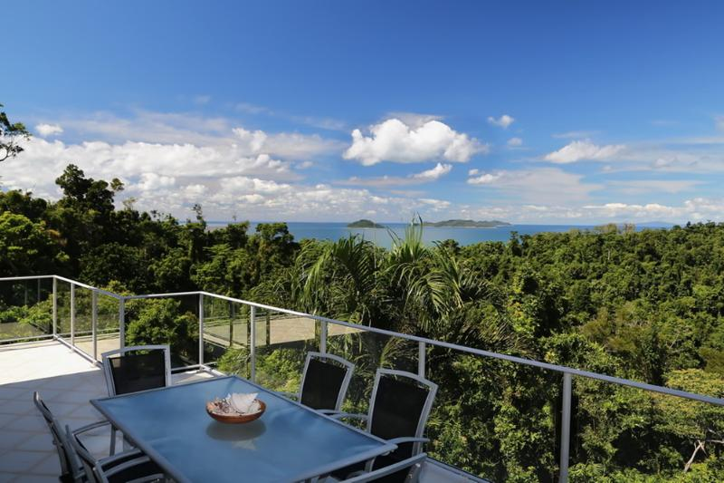 Solitude-Outdoor Verandah, Dining To view - Solitude - Mission Beach - rentals
