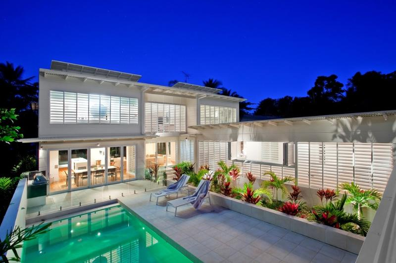 The White House - Pool Area - The White House - Mission Beach - Mission Beach - rentals