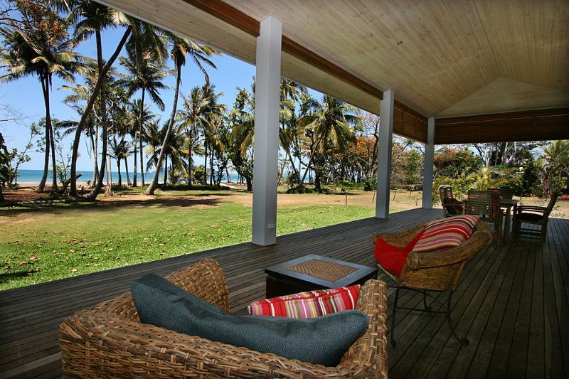 Tropika - Verandah to Dunk Island  - Tropika - Mission Beach - rentals