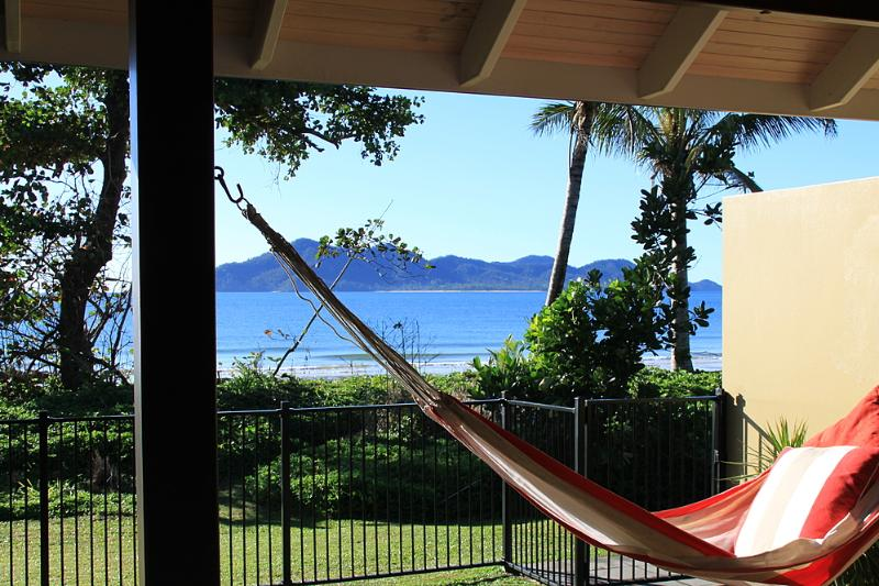 Zama - View to Dunk Island - Zama - Mission Beach - rentals
