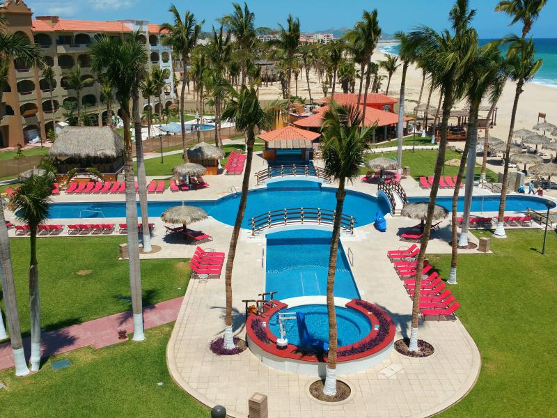 Perfect view of the beach and Coral Baja pool from your private balcony. - Oceanfront Condo - Pat's Coral Baja Resort - San Jose Del Cabo - rentals