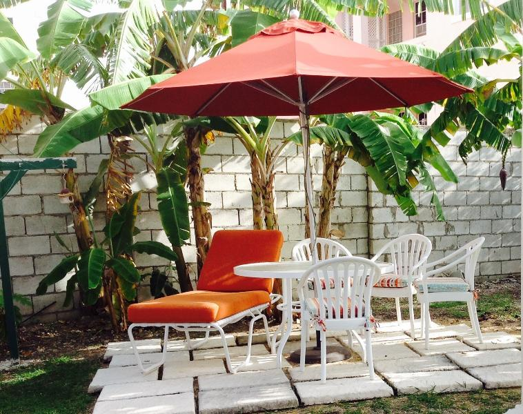 Outdoor dining area for Little Gates   - Two Minutes From The Beach -  LITTLE GATES ( One B - Maxwell - rentals