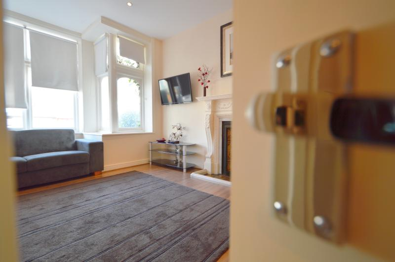 Fairfield Apartments - 1 Bedroom Ground Floor Flat - Image 1 - London - rentals