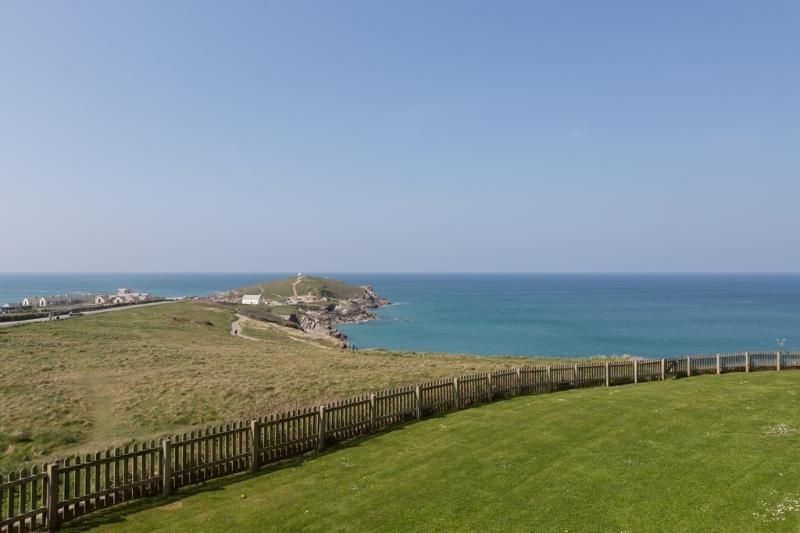 9 Headland Point located in Newquay, Cornwall - Image 1 - Newquay - rentals