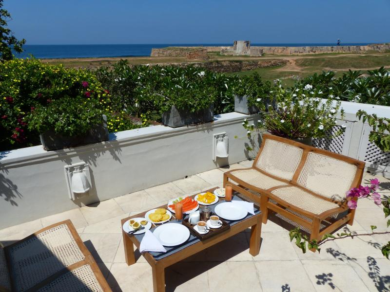 Breakfast on the terrace - Villa Chandolu - Galle Fort - Galle - rentals