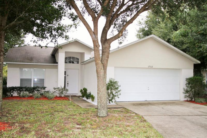 4 Bedroom-lovely pool near Disney - Image 1 - Clermont - rentals