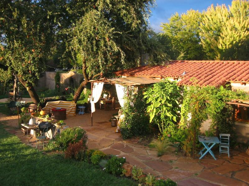 Barbecue outside of the Casita. - Romantic Quiet 1BD in Beautiful Tropical Garden - Sonoma - rentals