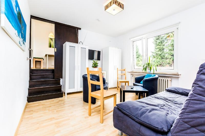 Spacious and family-friendly apartment - 49 Center house in Cologne Weidenpesch with 3rooms - Cologne - rentals