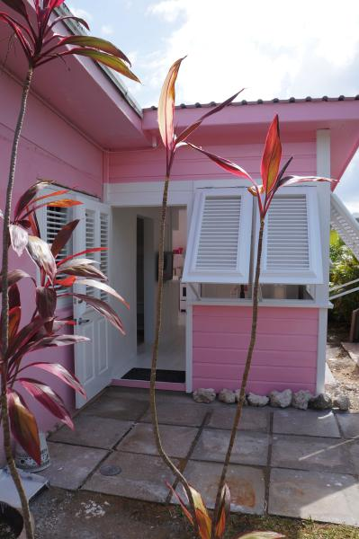 FRONT - PINK COTTAGE - Holetown - rentals