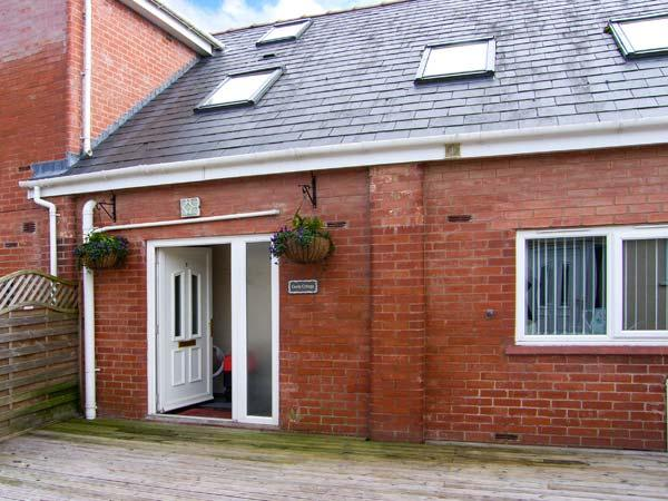 CASTLE COTTAGE, spacious accommodation, good for families, WiFi, good walking base, near Chester, Ref 916648 - Image 1 - Garden City - rentals