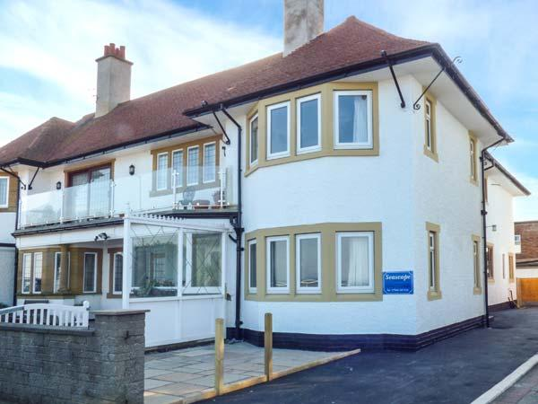 SEASCAPE beachfront with sea views, enclosed lawned garden, off road parking, family-friendly in Bridlington Ref 920172 - Image 1 - Bridlington - rentals