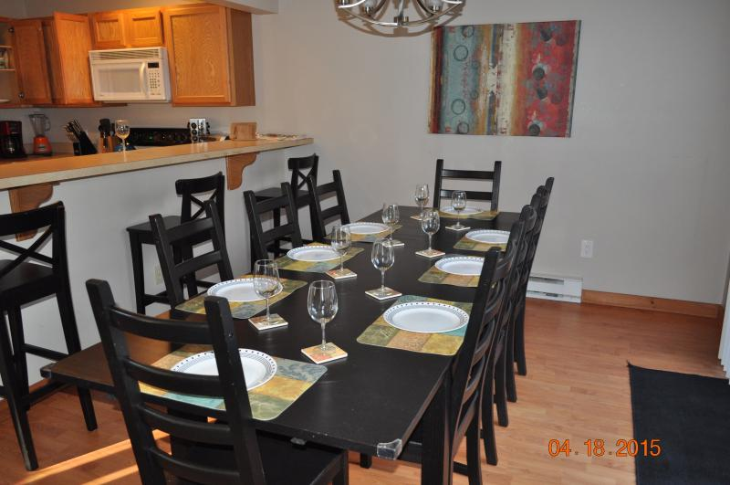 Dining Room - Poconos, Camelback Townhome, Free WIFI, Cable, AC - Tannersville - rentals
