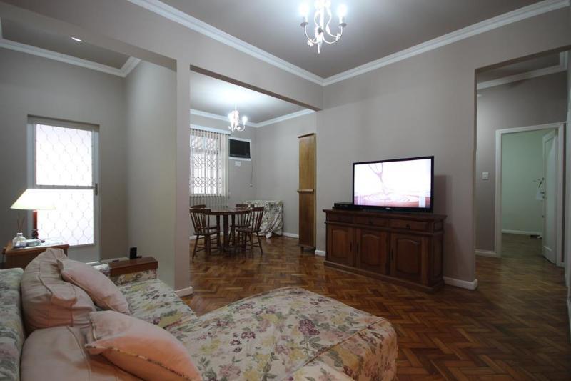 ★Copacabana 302 B - Image 1 - Rio de Janeiro - rentals