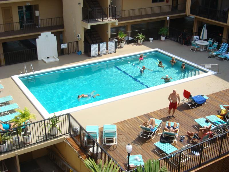 POOL - 2 MINUTES to BEACH-CONDO-2 BEDROOMS-SLEEP UP TO 8 - Sunny Isles Beach - rentals