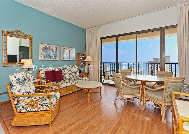 Sweeping ocean views from penthouse-level one-bedroom with AC!  Sleeps 5. - Image 1 - Honolulu - rentals
