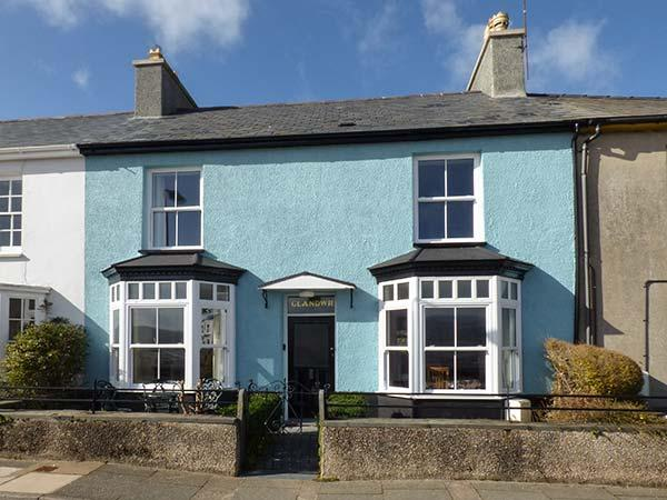 GLANDWR, terraced cottage with sea views, Smart TV, enclosed gardens, in Borth-y-Gest, Ref 25025 - Image 1 - Borth-y-Gest - rentals