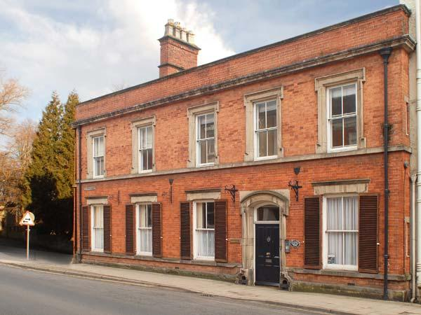 MADGE HOUSE, two-storey wing of Georgian building, WiFi, off road parking, in Ashbourne, Ref 28850 - Image 1 - Ashbourne - rentals