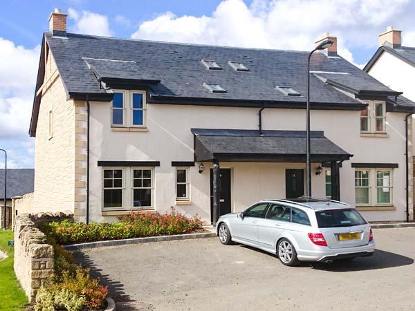 LEET HAUGH, WiFi, pet-friendly, enclosed garden, en-suite bedroom, in Coldstream, Ref 29802 - Image 1 - Coldstream - rentals