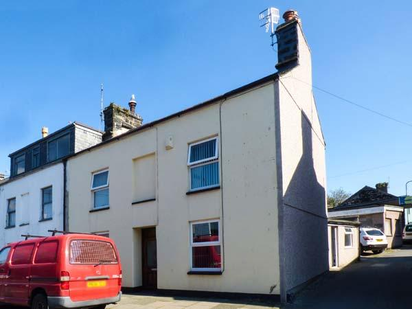 AMANDA, three storey, end-terrace cottage, four bedrooms, close to shops and - Image 1 - Porthmadog - rentals