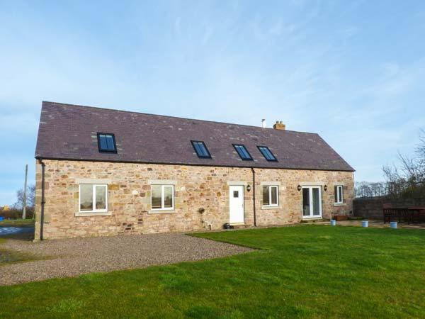 BARMOOR MILL BARN, large detached house, woodburner, WiFi, near Lowick, Ref 918319 - Image 1 - Lowick - rentals