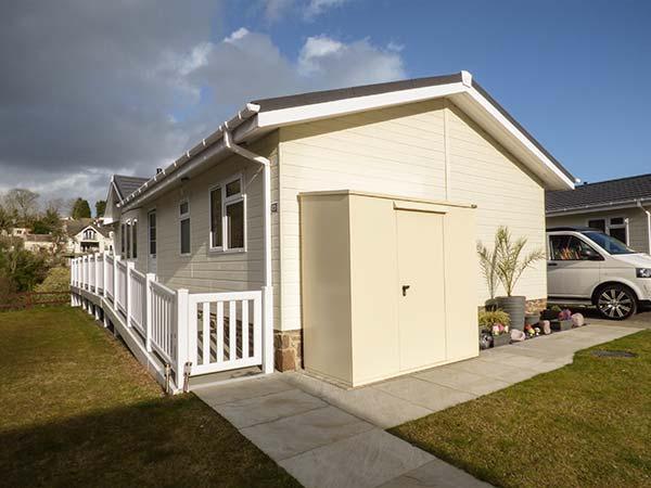 CARIAD, en-suite, WiFi, river views, open plan living, near Wisemans Bridge, Ref. 923768 - Image 1 - Wiseman's Bridge - rentals