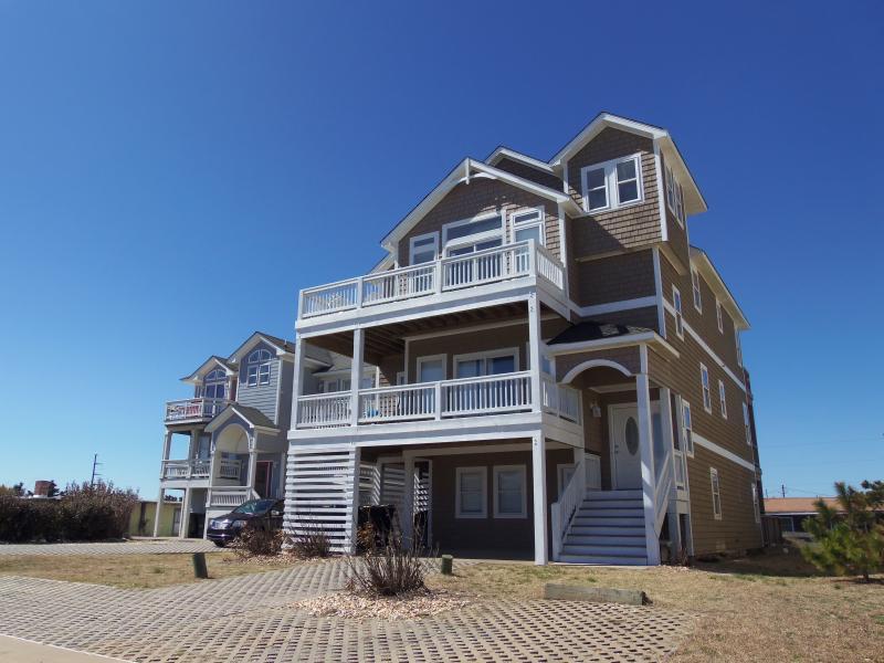 Exterior - LARGE Semi-Oceanfront, Elev., Priv. Pool, Hot Tub! - Nags Head - rentals